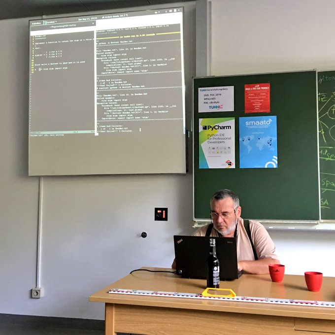 #TDD #test driven #development by @JohaPrime at #Pyunconf @pyunconf #Hamburg #Python #barcamp https://t.co/hqESonBgYD