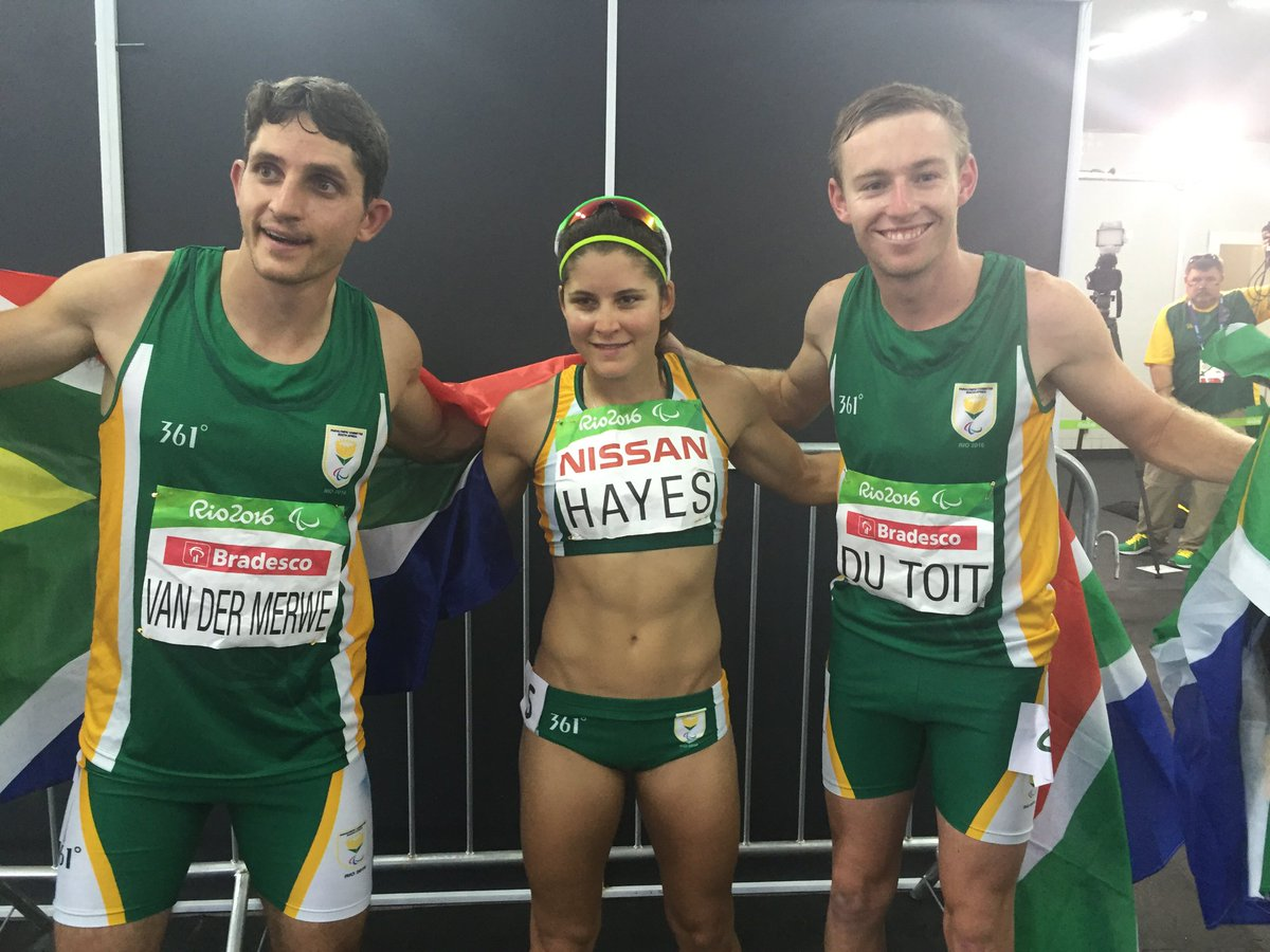 What a day for @teamsa16! A #gold, #silver & #bronze for @Charldutoit37, @Ilse_Hayes2016 & @FanievanderMerw! https://t.co/uoEjc20J06