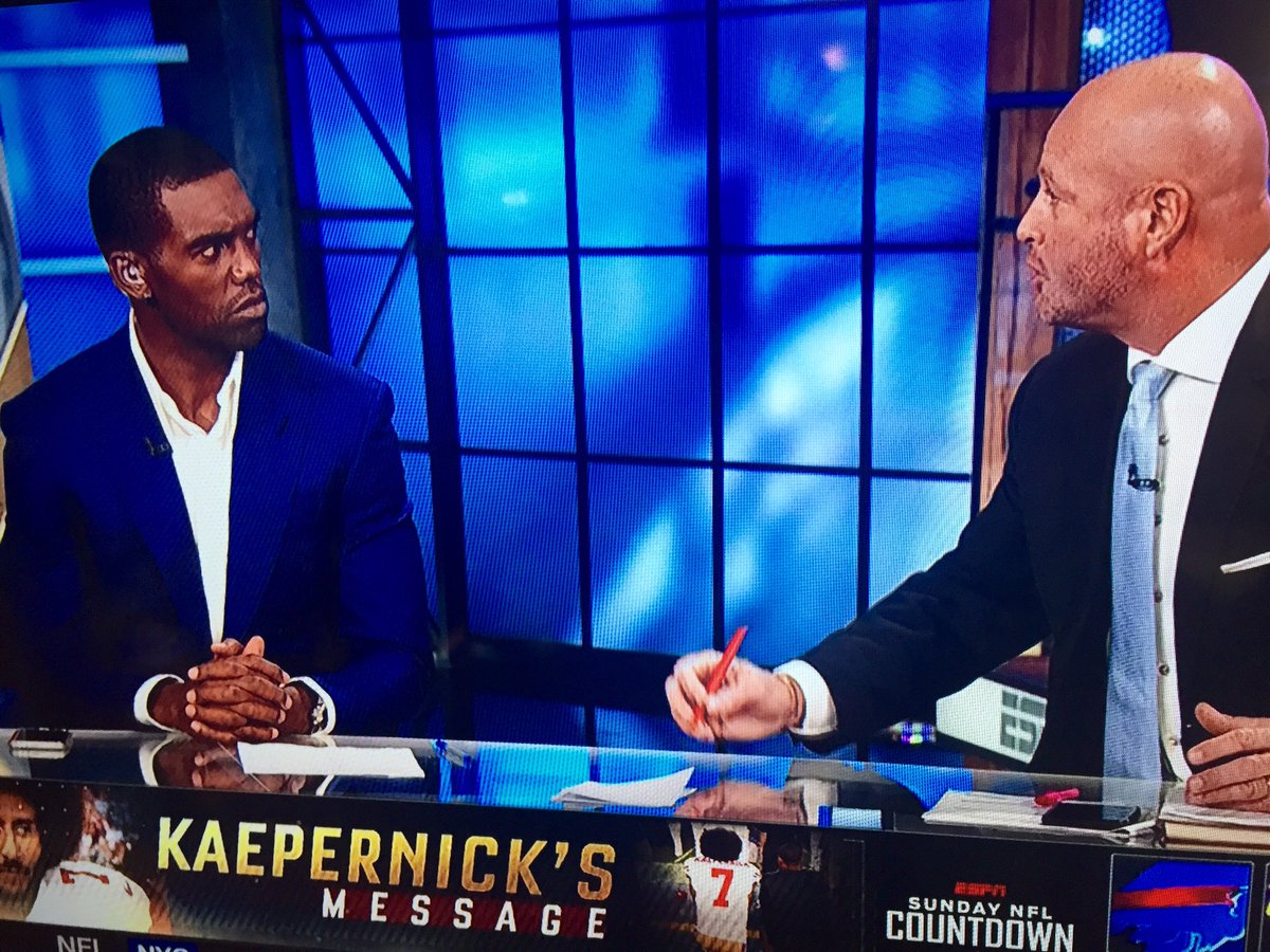 "Moss's expression when Dilfer says backup QB should ""be quiet,"" Kap used ""poor judgment,"" team over social justice https://t.co/AjFL0uxB5b"