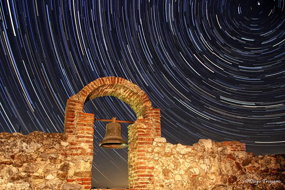 Brutal foto de mi  #DiegoTroyano ;) Impresionante !!! De #Gaucín al cielo 203 fotografias de 24s ISO-800 f/3.5 18mm https://t.co/jaR3FtVxIJ
