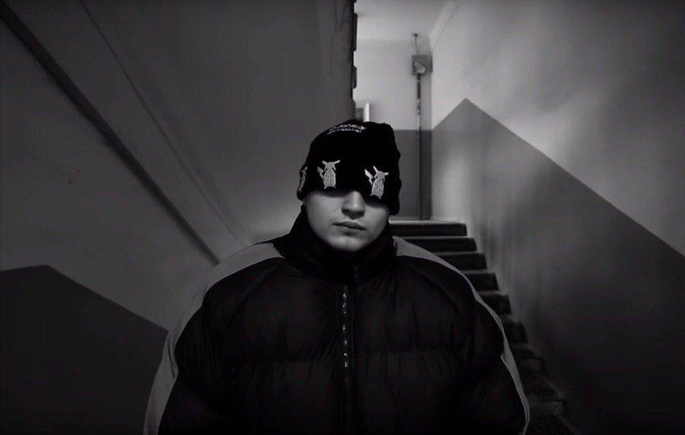 Алярм!   Премьера: новый клип группы Грибы.  https://t.co/nA6AgRozfr https://t.co/vgOE3vYSw6