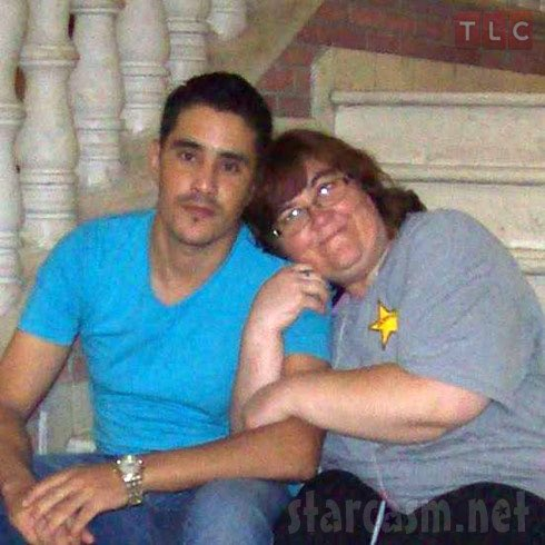 Did Nicole grabbing onto Azan's arm remind anyone of anything else?  #90DayFiance https://t.co/3g0u1Xc67Z