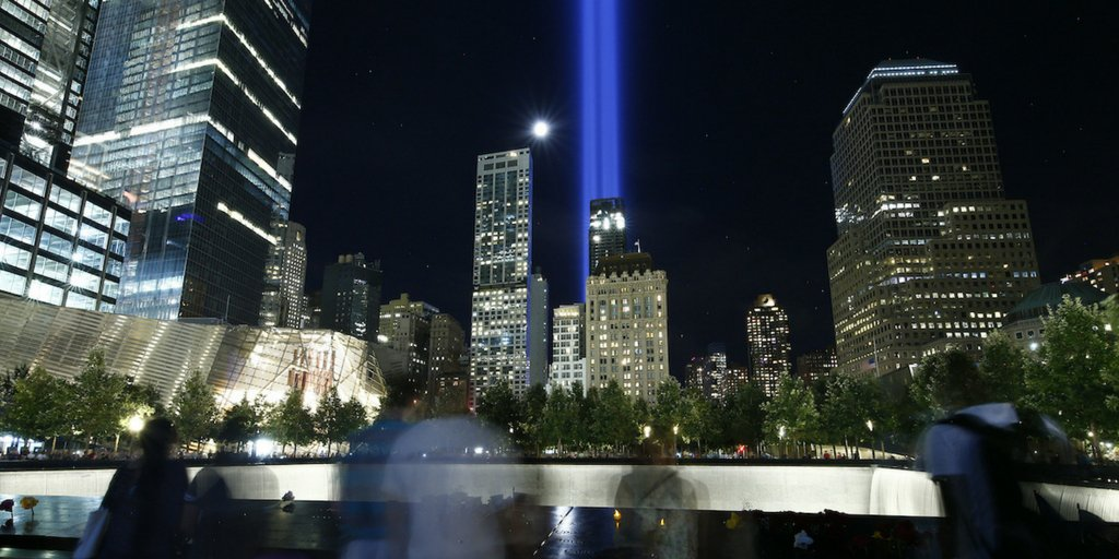 In darkness, we shine brightest. #TributeInLight illuminates the #NYC skyline tonight. #NeverForget #Honor911 https://t.co/sUP7Qp1jyP