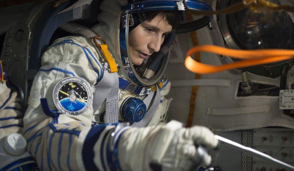 Alle 21:15 su Focus TV (canale 56) torniamo sulla ISS con @AstroSamantha #SamanthaeloSpazio https://t.co/JiGl4Zien1