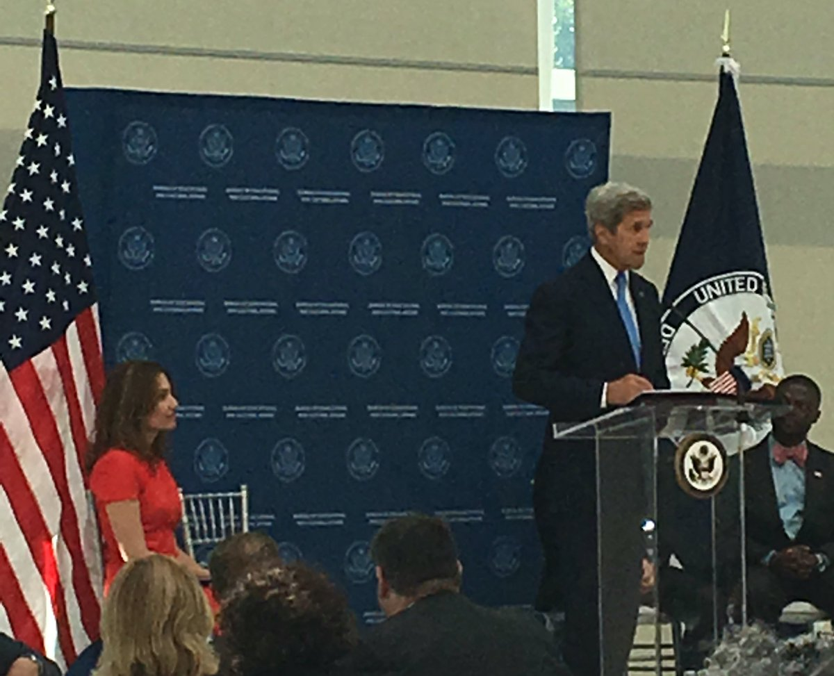 """""""We are proud and grateful to have @Airbnb as our partner to allow people to go overseas and study."""" - @JohnKerry https://t.co/1fkj2ZJUlg"""