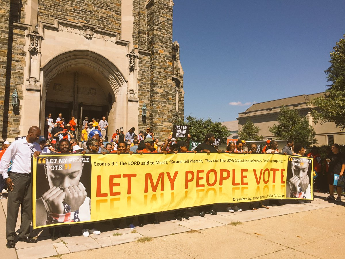 About to begin our #SilentMarch to the Statehouse. The people power is palpable today #LetOhioVote #MoralDayofAction https://t.co/42AYhXTqxh