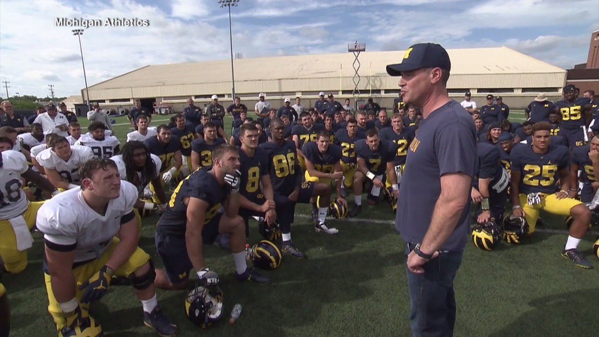 Full 5-minute @richeisen speech to @UMichFootball after last Friday's practice with @CoachJim4UM kneeling in awe. https://t.co/2RovePxmuC
