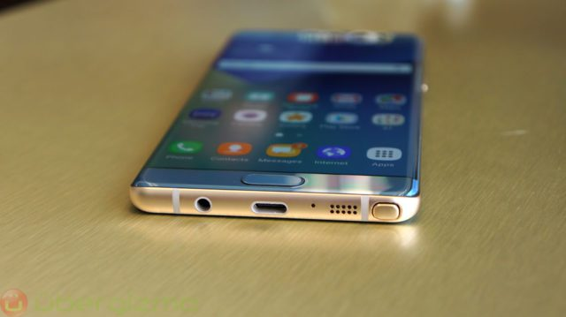 Samsung Galaxy S8 Could Be Ditching The Headphone Jack As Well https://t.co/s4sDpHqeXM https://t.co/WgCHnwNkqx
