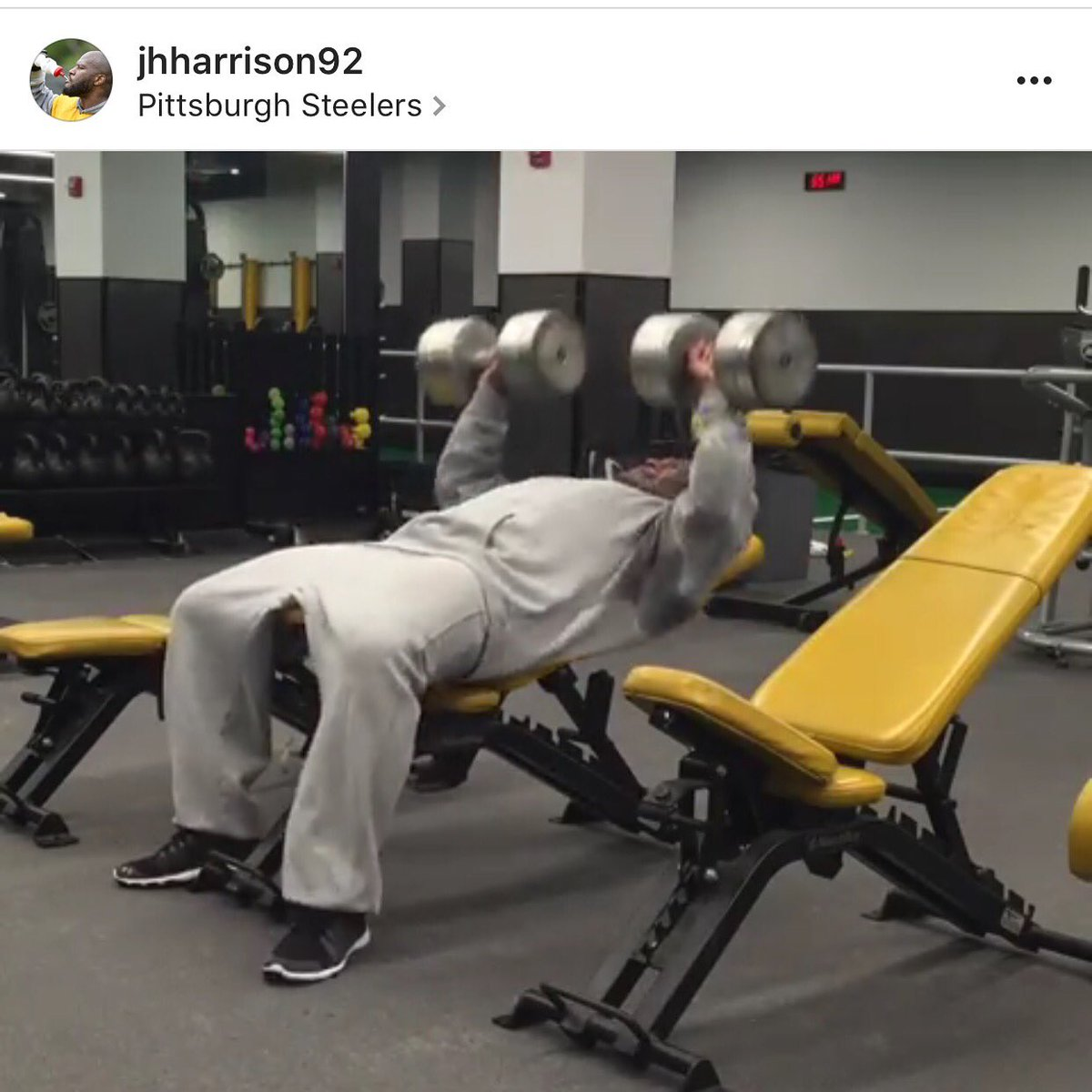 Plays on Monday night football and is in the gym training at 530am the next day! #warriormindset https://t.co/y5aEhobc3f