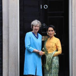 I was so glad to meet with PM Theresa May today to discuss important human rights issues in @Plaid_Myanmar https://t.co/q46tSjjNwi