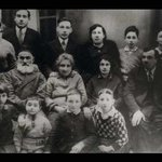 Peres, third from right, at age 7 with family in Poland (1930). Four years later they moved to Mandate Palestine https://t.co/wUykcyxPDv
