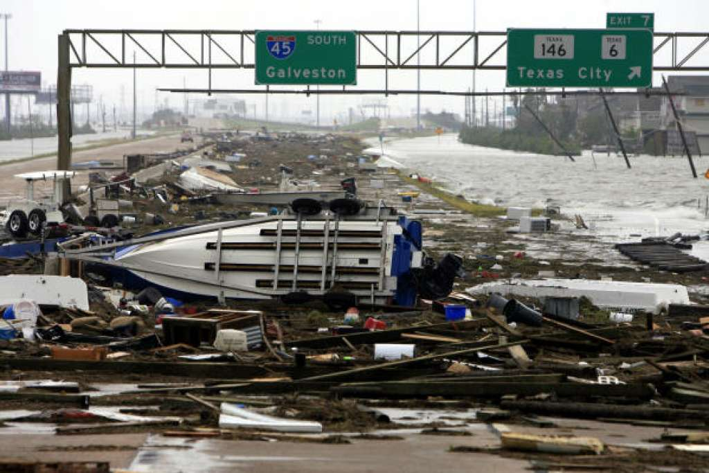 Eight years ago today Hurricane Ike made a mess of Texas https://t.co/CLwOiUE1MX https://t.co/dti6VCx0Qz
