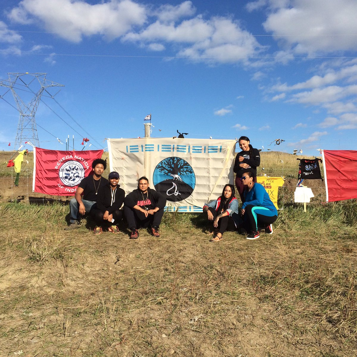 Mashantucket Pequots and Pequot Museum employees first arrive at Standing Rock! https://t.co/qq3QFbRVT0