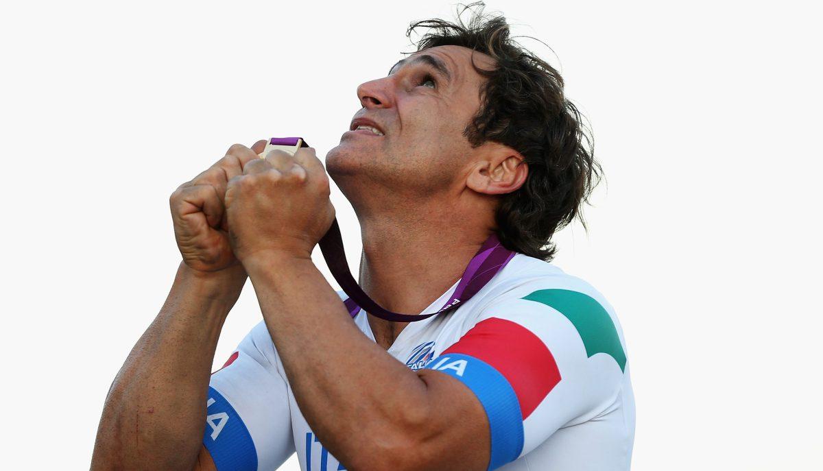 Alex Zanardi (@lxznr) wins @Paralympics gold on eve of 15-year anniversary of CART crash https://t.co/UFHxlS2Qt9 https://t.co/Ov7Yn7WlNr