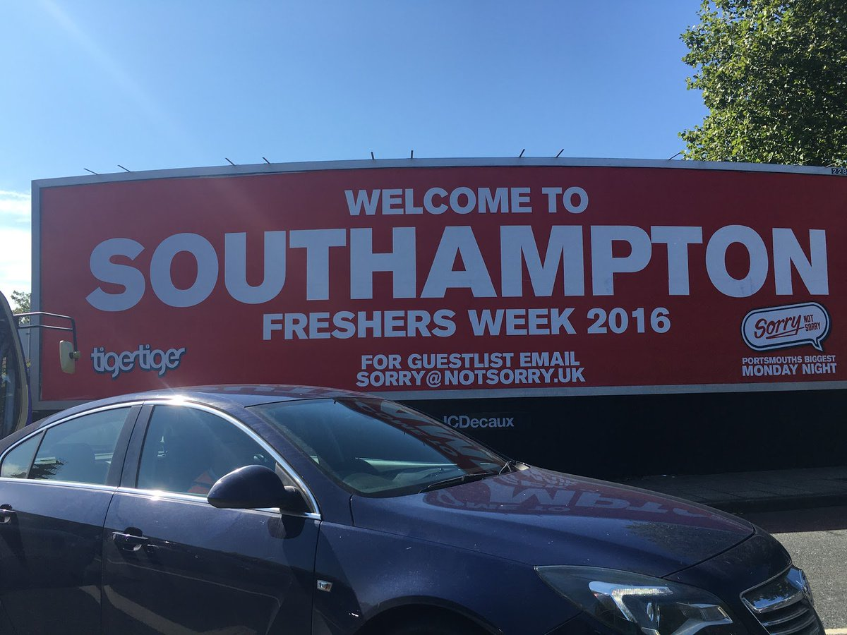"""Hey @tigerportsmouth, did you study in Soton? It's the only explanation for the missed apostrophe in """"Portsmouth's""""! https://t.co/eDapypBoLc"""
