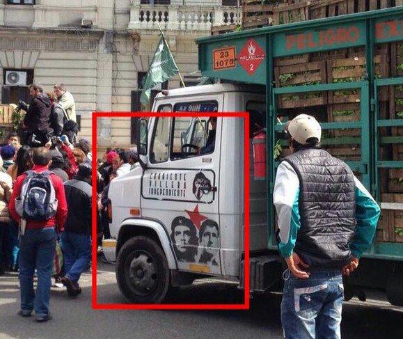 El camión q esta repartiendo verduras @todonoticias @infobae detalles https://t.co/YSskw3hQoi