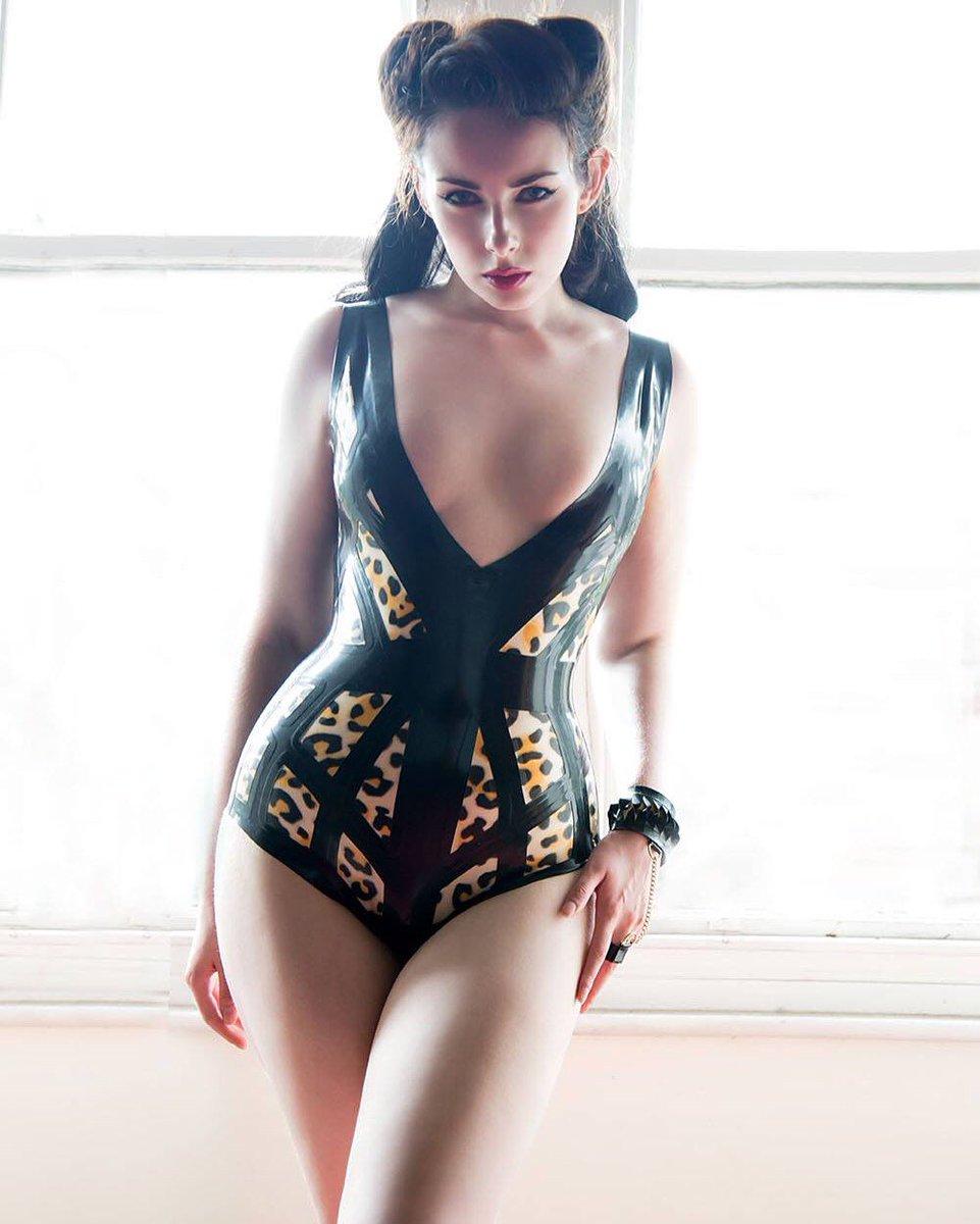 Leopard Cage bodysuit by @Kaorislatex , model/photo: @alivyavfree ✨ https://t.co/miw0OnOmmK https://t.co/f7IGNBo8Bs