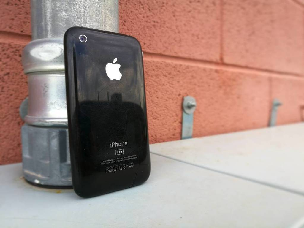 The original Jet Black iPhone. https://t.co/0miJGn5KXK https://t.co/WC8XYXSLCP
