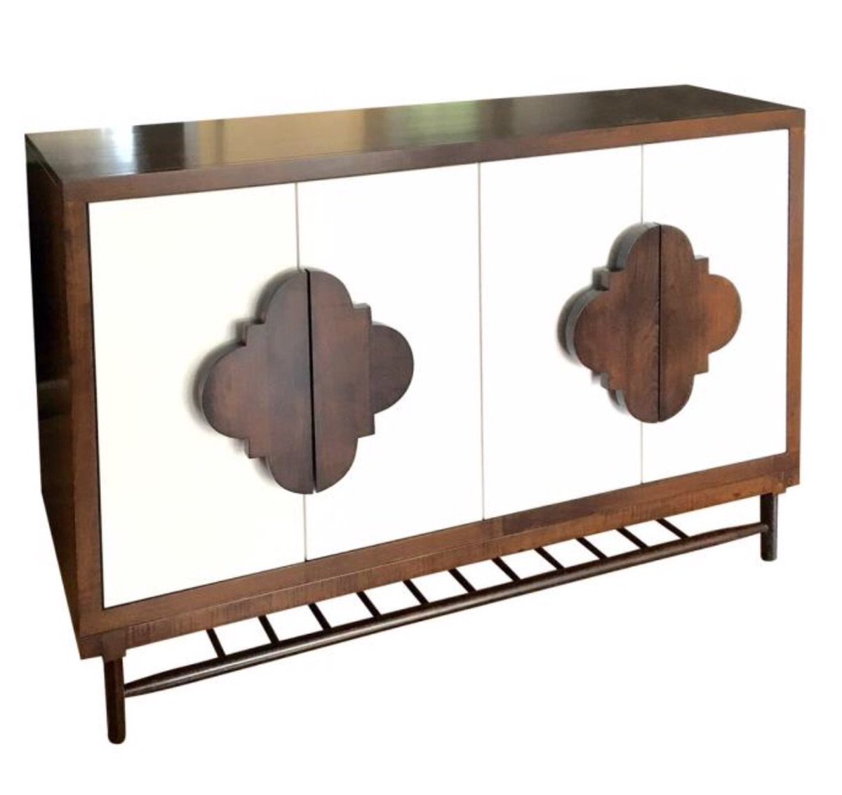 Pick 10 comes from @johnstrauss -- the Maple Hill Buffet in solid maple with paint lacquered doors #hpmkt https://t.co/olaIFaRA9I