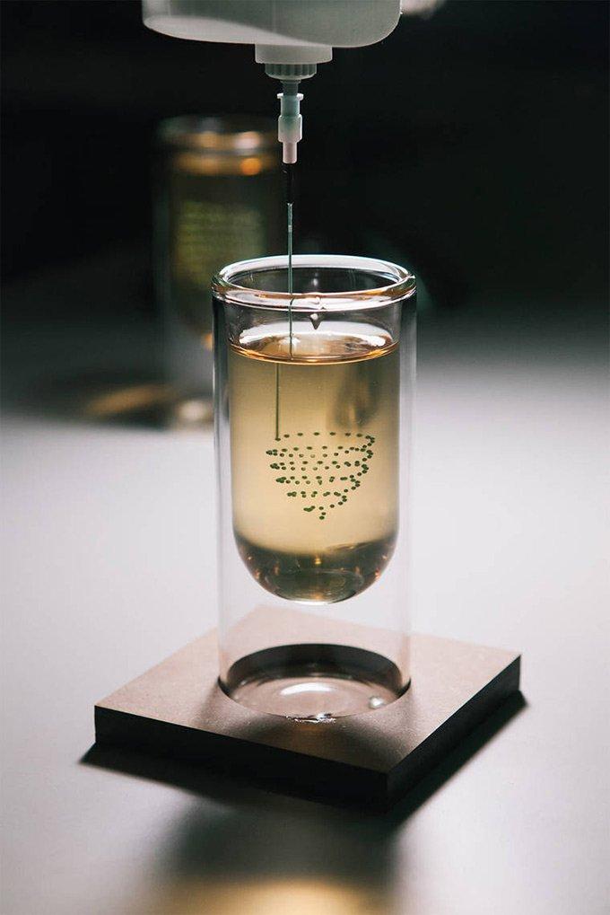 飲み物の中に直接印刷する3Dプリントドリンク。これは未来だ! https://t.co/3eJ4LL0jJJ https://t.co/C3L9w9DiEF