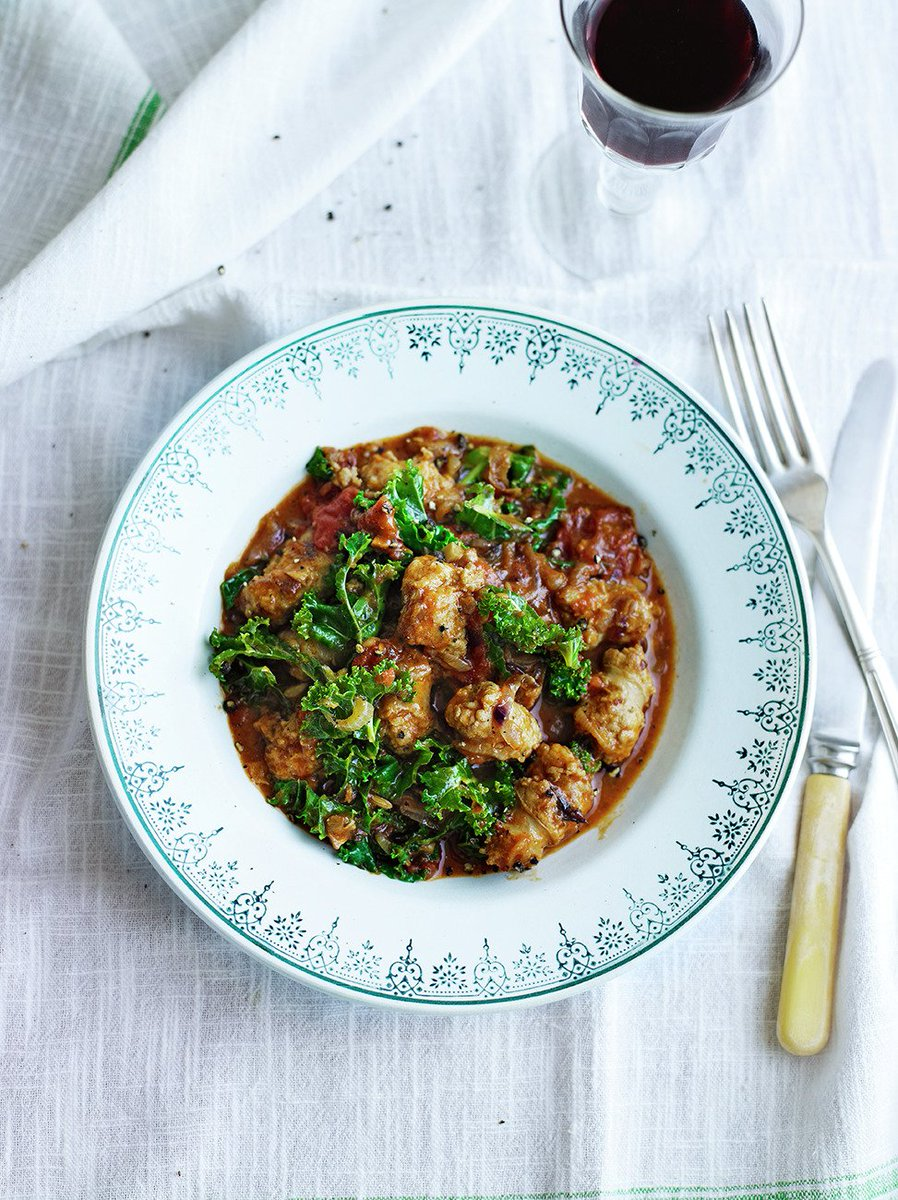 #recipeoftheday Sausages slow cooked in a rich stew with kale thrown in for added goodness https://t.co/SAAhmwXymI https://t.co/xw6ovtbG7g