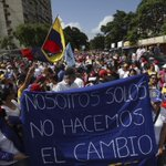 CNE insiste en bloquear el #revocatorio para mantener al chavismo en el poder: https://t.co/cWvOilcsG2. Por @Jhoalys https://t.co/mDxE1M5ku4