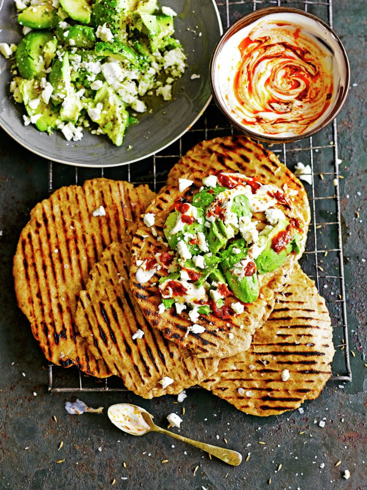 Delicious quick flatbreads with avocado & feta for today's #recipeoftheday https://t.co/uojstdKfkw https://t.co/Q02w5bvg6B