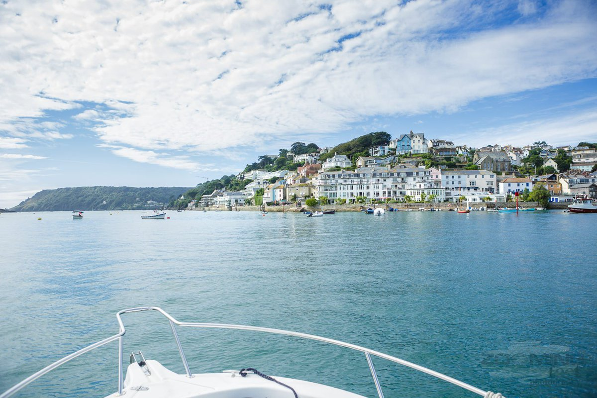 Is there any better way to enter #Salcombe? Avoid queues & disembark at @SalcombeHHotel https://t.co/JVtr4BSQuo https://t.co/h05SqatyCV