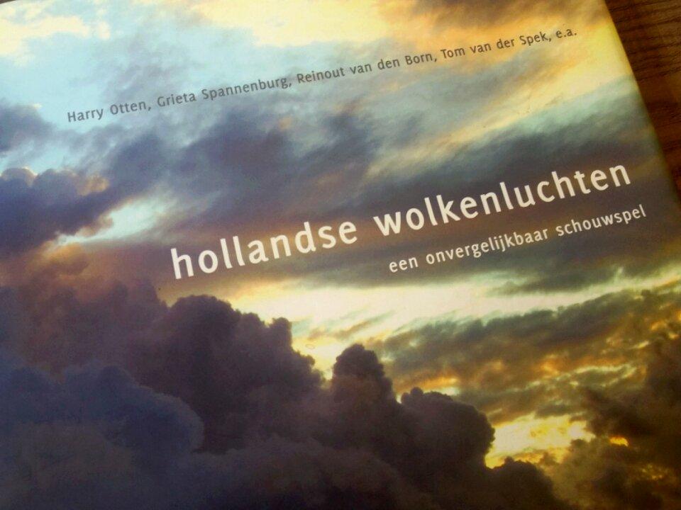 #WINACTIE! Op 1 oktober verloten we onder onze volgers die dit bericht RTen het boek Hollandse wolkenluchten! https://t.co/iAQKaCUuPN