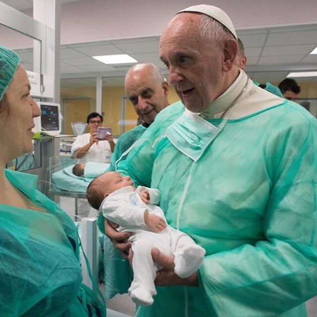 Pope Francis made surprise visit to the Neonatal ward of San Giovanni Hospital in Rome today. #MercyFriday #bemercy https://t.co/ZjvSzk1JBj