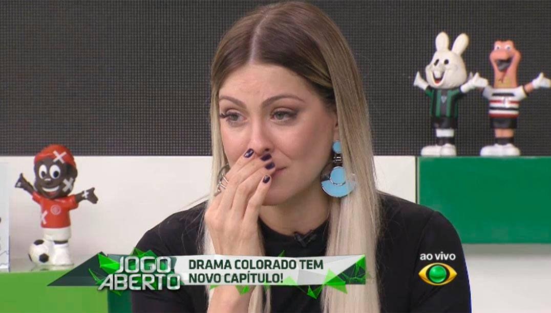 Renata Fan chora com o Internacional https://t.co/CsuK6Uo8va https://t.co/EF8xjzv8zE