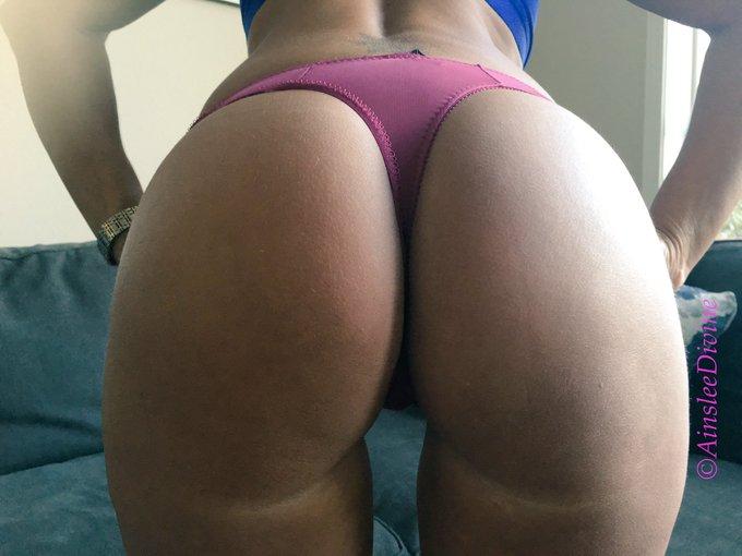 Ainslee Ass! #uknowuwantit #tinyandtight #roundass #bootyfordays #ainsleeass #sexyaf #milfstatus #spinner