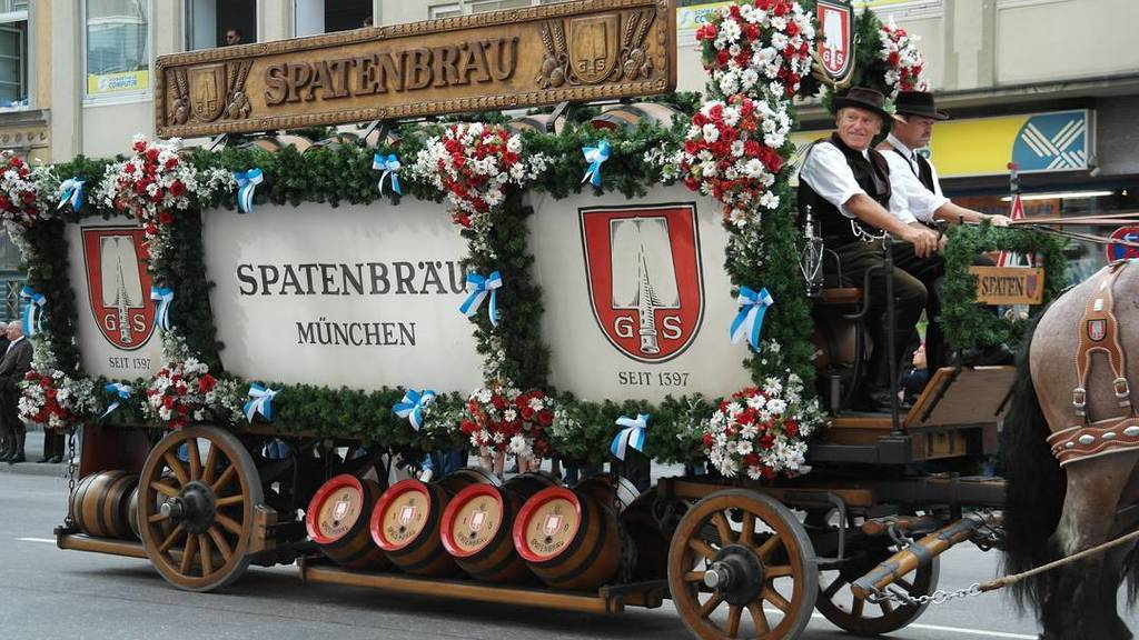 #oktoberfest #wirteeinzug #beerfestival #beer #empfehlung bei uns um die Ecke in der Schwa… https://t.co/KiIcoQU3uq https://t.co/H0RpyTZqhh