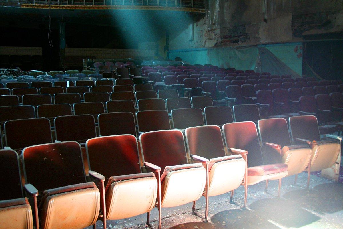 劇場は空っぽでした。#廃墟 https://t.co/jj1vCsxaFE