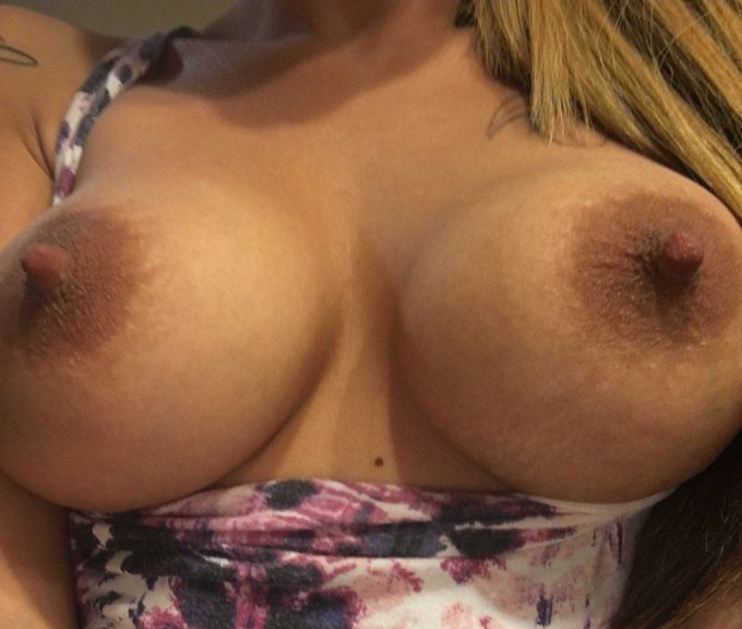 RT If you want to cum on my tits 🐱❤️ https://t.co/PUjdk4GMWF