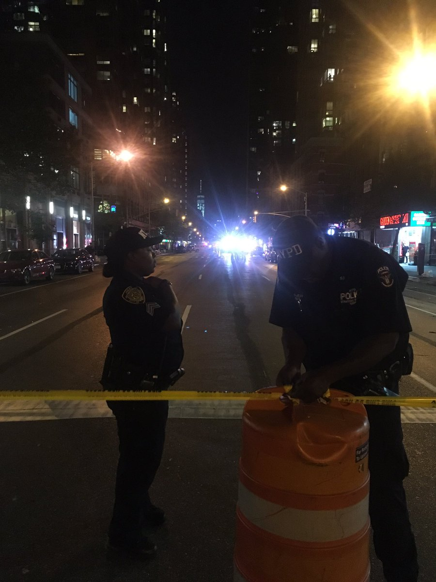Police officers closing 28th & 6th Avenue off because of confirmed second device https://t.co/gkHAlalESd