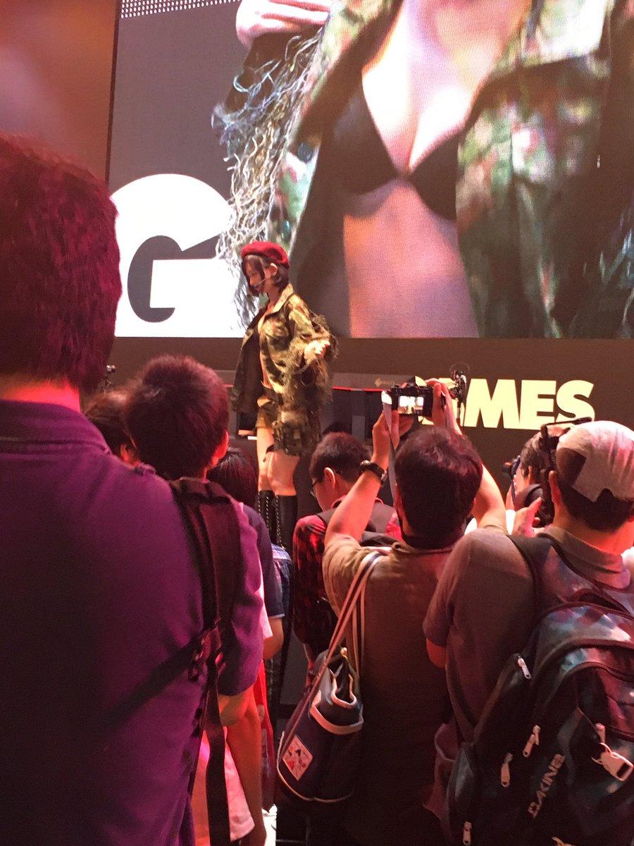 3 pic. DMM GAMES『WarThunder』ステージありがとうございましたー!!撃墜数に応じて生脱衣٩( 'ω' )و 私もなんとか1機撃墜できましたよー!  #TGS2016 #DMM_GAMES