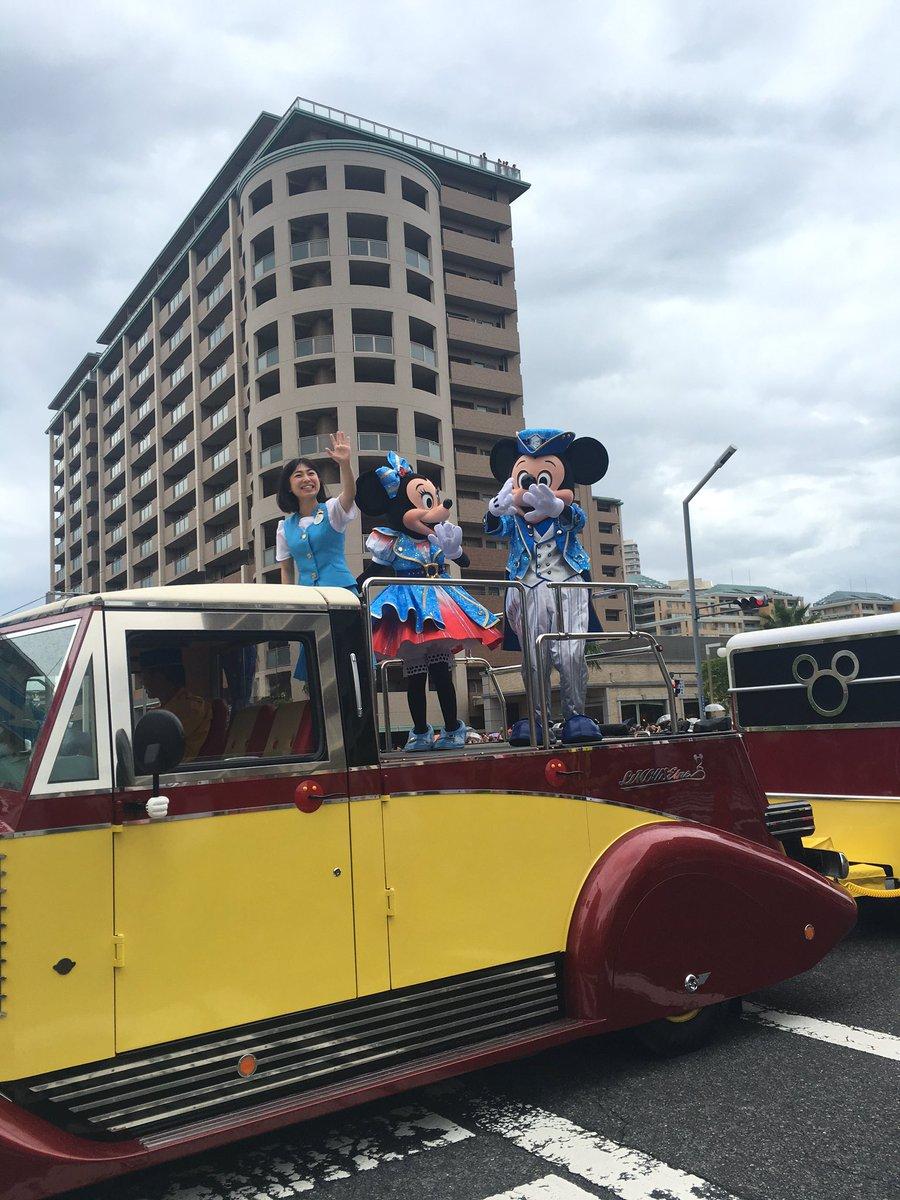 浦安フェスティバルの大本命ディズニーパレード。こちら側からは残念ながらダッフィー見えず。 #urayasu #浦安 https://t.co/QqwcD5igyU