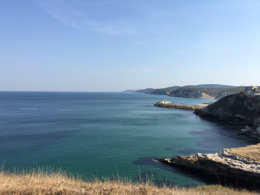 Kıyıköy'den muhteşem bir manzara.. Etrafınının pislikten geçilmemesi yinede bu güzelliğe engel olamamış.. https://t.co/MTMILfQXgR