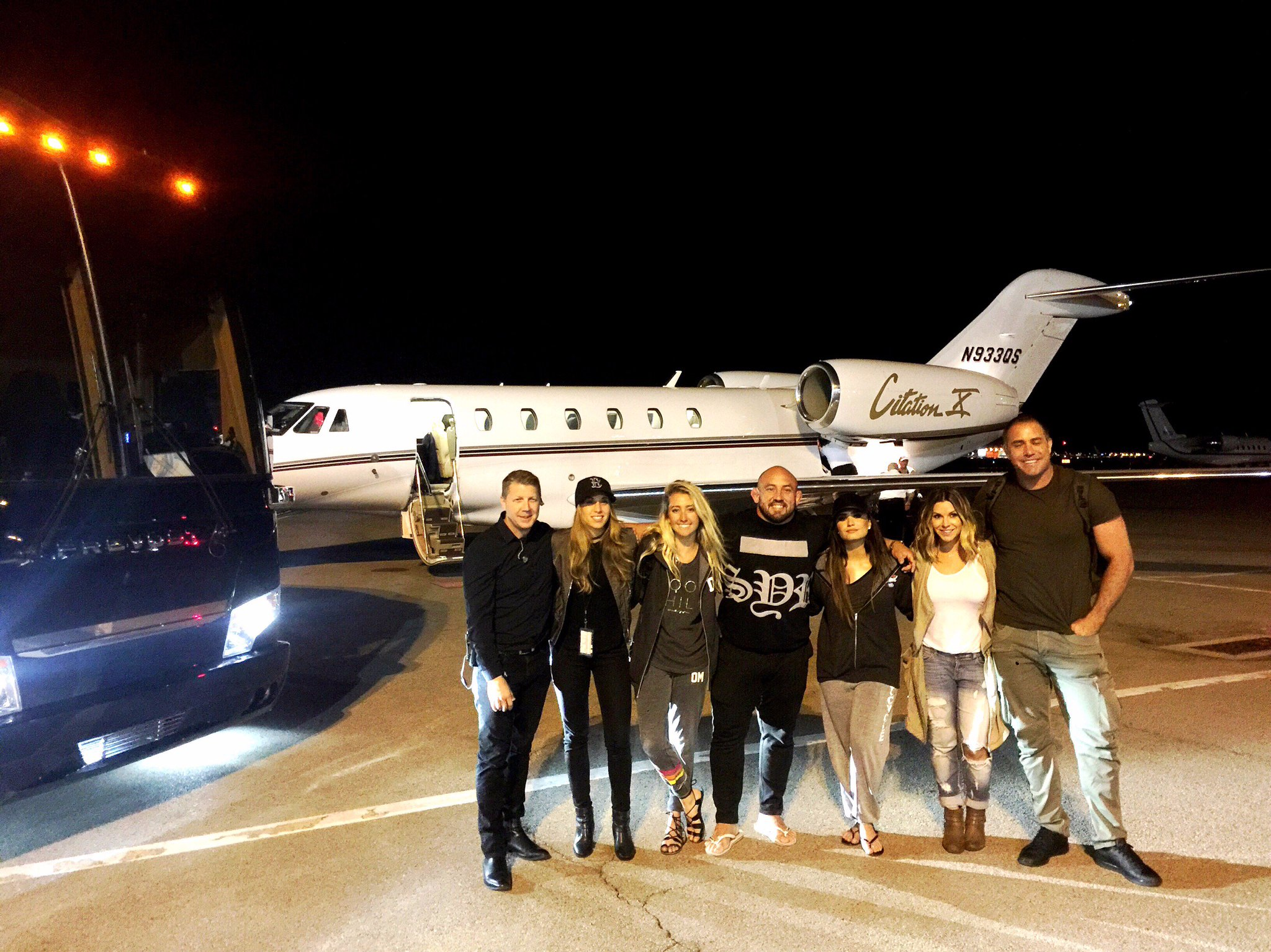Had an absolute blast on tour with @NickJonas!! Can't thank @Netjets enough for flying us home!! https://t.co/QfwAgQbzJT