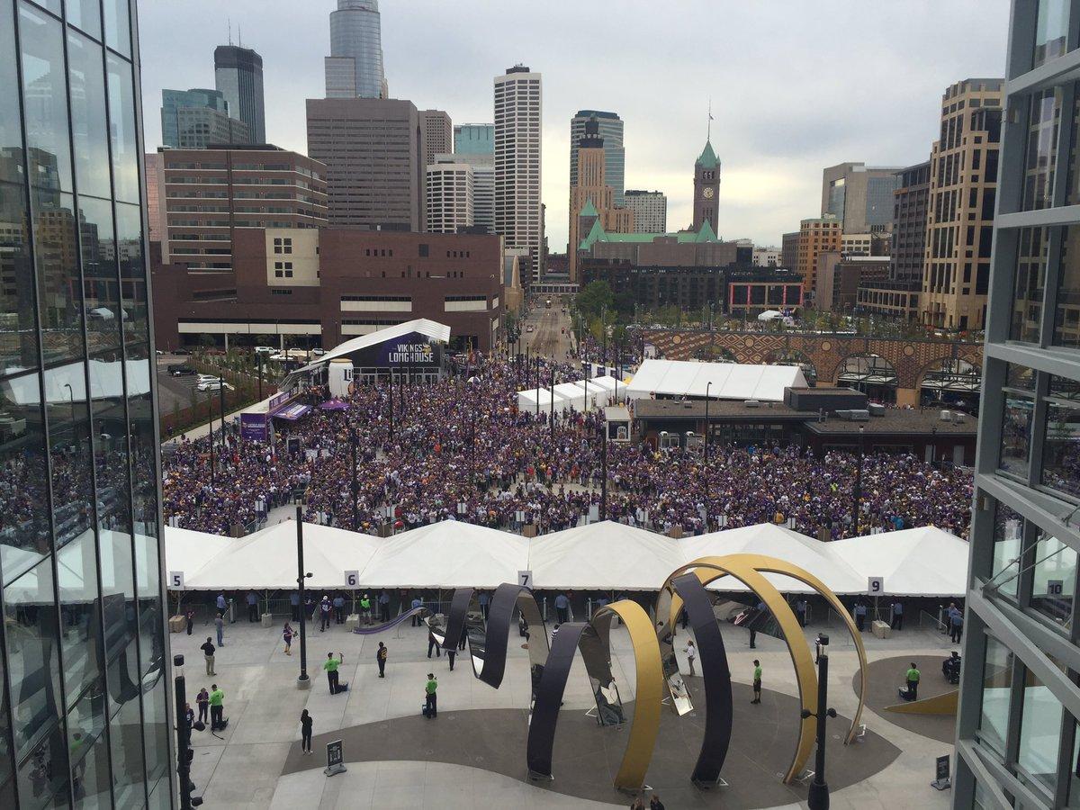 Wow. Hello, Vikings fans. https://t.co/BBny5N39GW