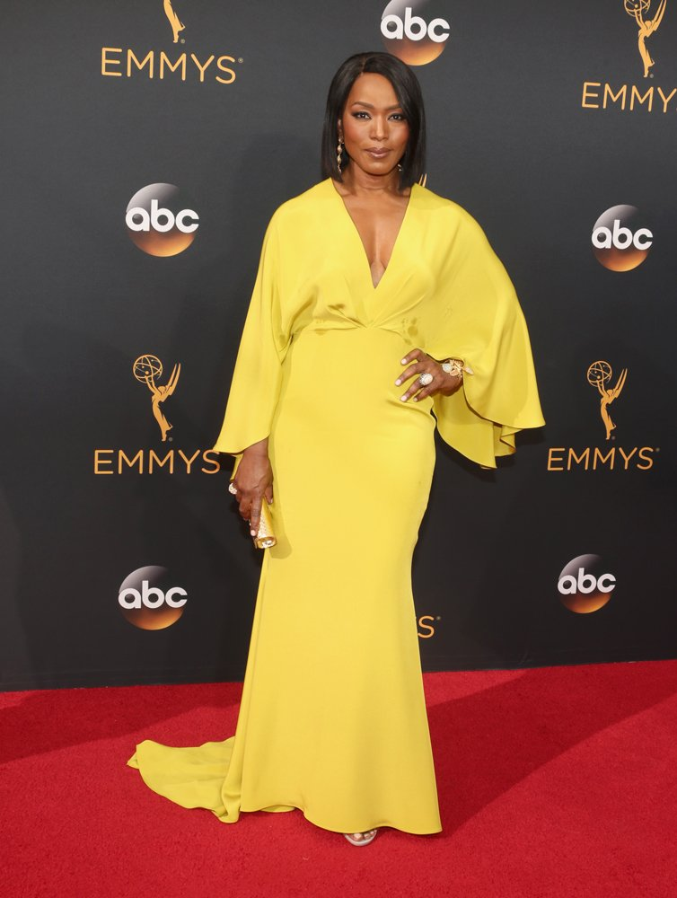 Wow, Angela Bassett does. not. age. See more #Emmys #RedCarpet https://t.co/nqxGJPGEIm https://t.co/BvTOwuXgL9
