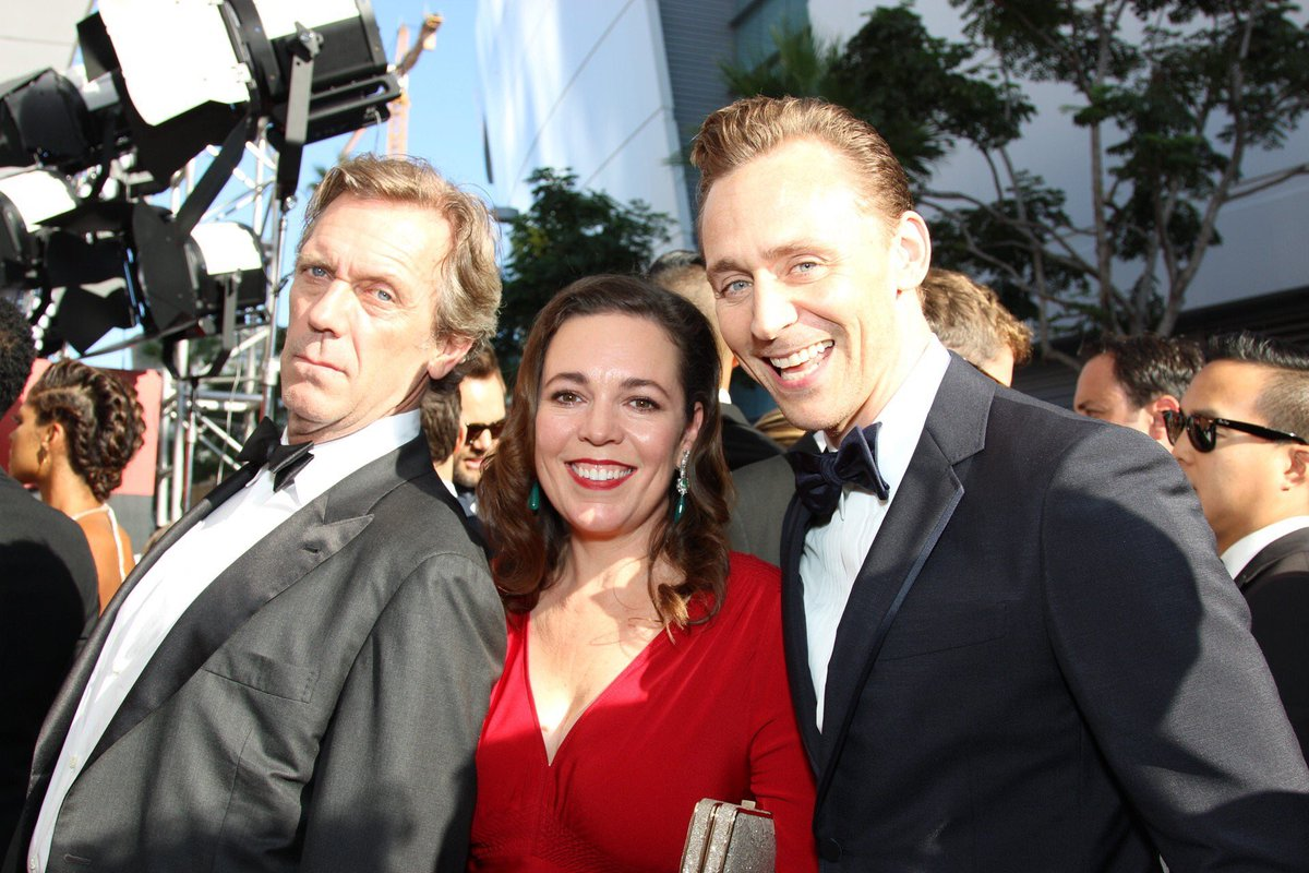Hugh Laurie, Olivia Colman e Tom Hiddleston, elenco de The Night Manager #Emmys https://t.co/aDCLe8gIVe