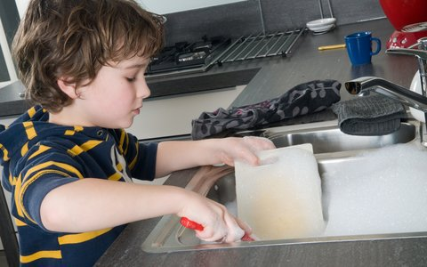 Involving your child in the housework can give them valuable life skills https://t.co/q5F195GhbS https://t.co/a6qxZf7czY