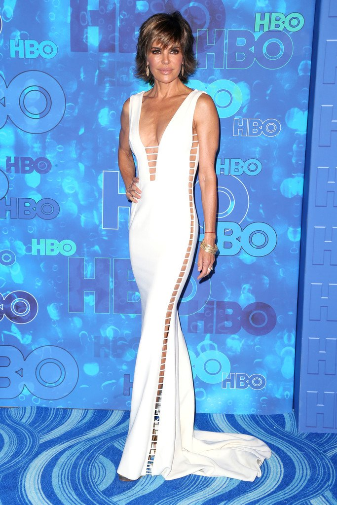 RT @TheFashionCourt: Lisa Rinna wore a #SergioHudson Fall 2016 white cut-out gown to HBO's #Emmys after party. https://t.co/TqF4AH9fe3