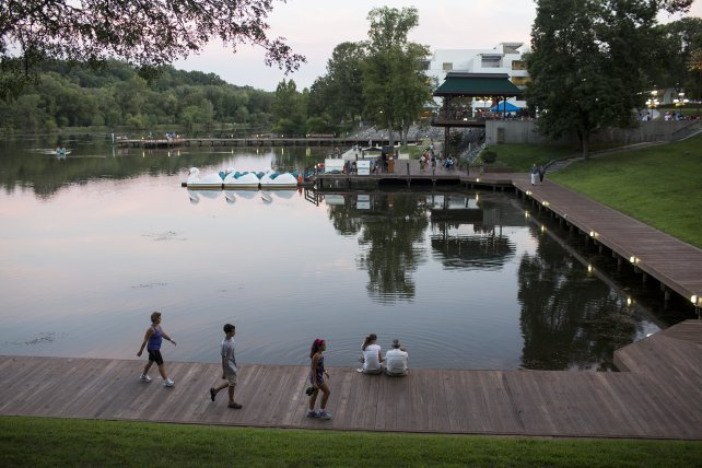 The #BestPlacestoLive in the U.S. is in... MARYLAND! @MONEY gives top spot to Columbia- https://t.co/qqn6tiBmva https://t.co/jRg8mbUwym