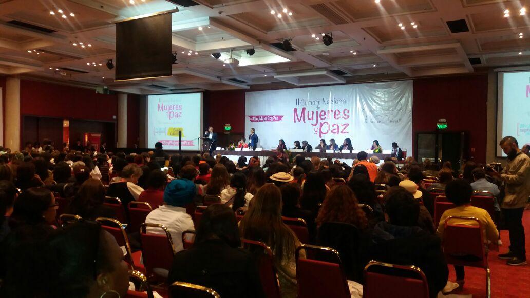 El acuerdo de paz afirma la dignidad y los derechos para las mujeres. II Cumbre Nal de Mujeres y Paz #SoyMujerSoyPaz https://t.co/2b7PYqXaQe