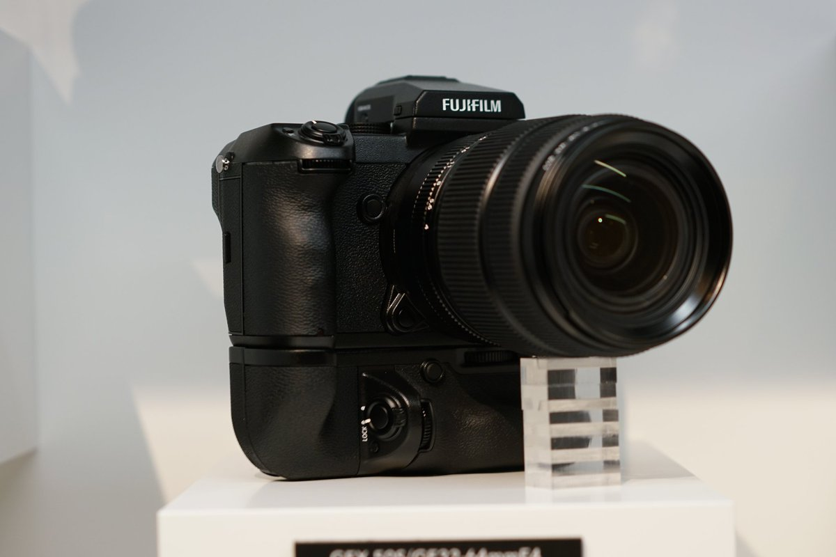 One of the biggest announcements at #photokina this year. Some closer pictures of the new @Fujifilm_UK #GFX https://t.co/e2ScIkzAvE