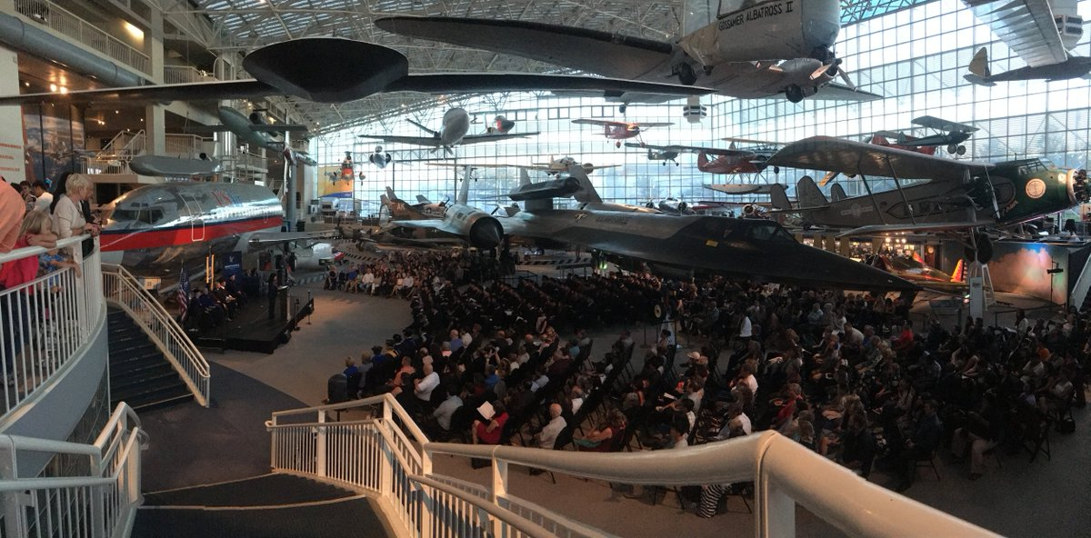 Congratulations to the 110 graduates who recently walked at the Museum of Flight in Seattle! https://t.co/jwOHv89Ja9