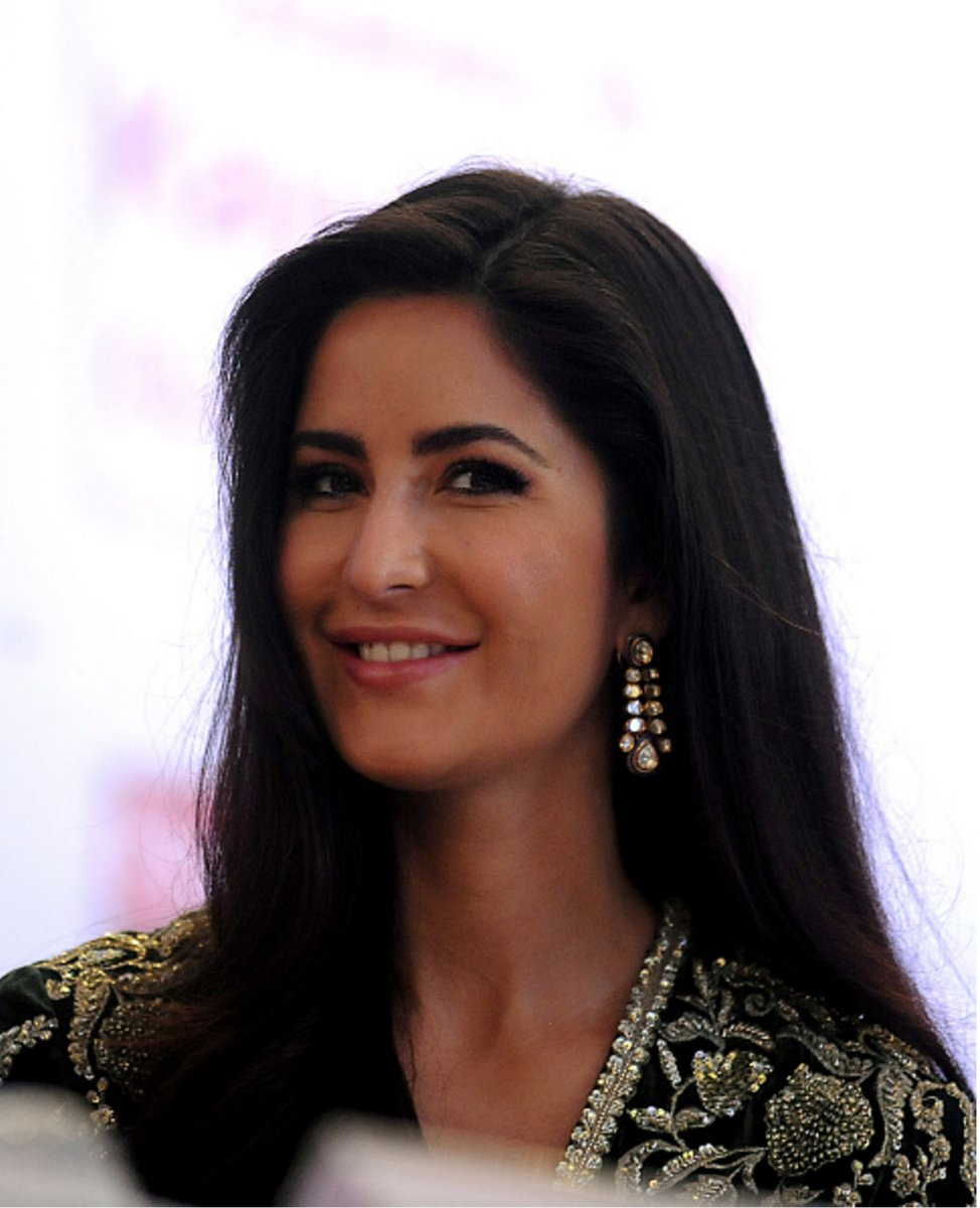 Katrina Kaif at the Priyadarshini Academy Awards [1]   #KatrinaKaif https://t.co/9GLz2z7G1p